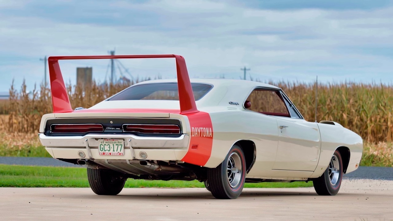 '69 Dodge Charger Daytona... Simplement Deeeuuuuuuux ! 15
