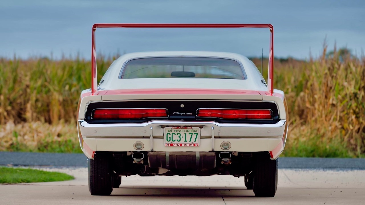 '69 Dodge Charger Daytona... Simplement Deeeuuuuuuux ! 6