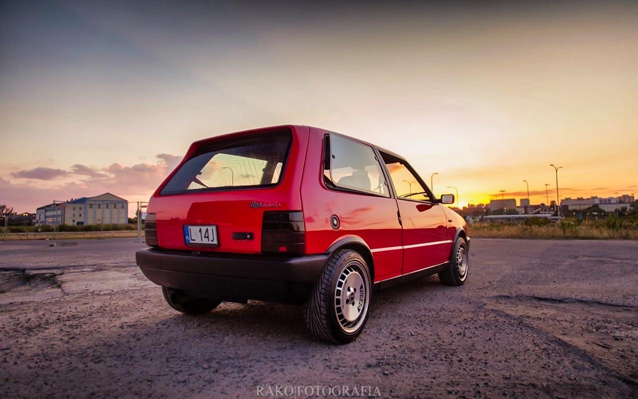 Fiat Uno... HF Turbo ie ! Vous voulez de l'huile piquante sur votre pizza ? 10