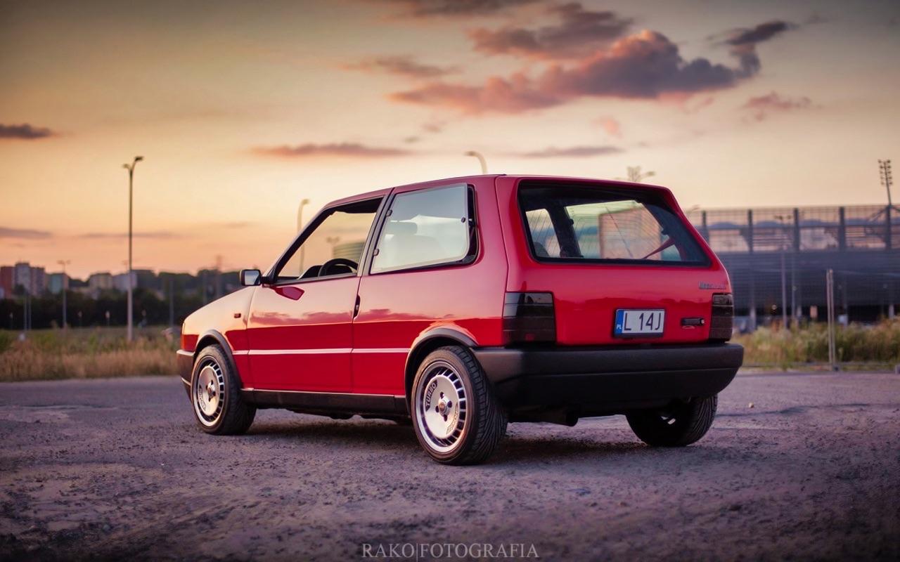 Fiat Uno... HF Turbo ie ! Vous voulez de l'huile piquante sur votre pizza ? 6