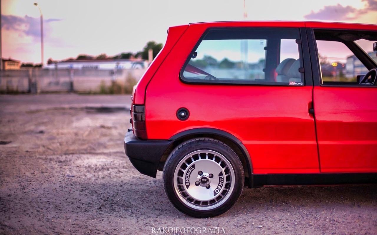 Fiat Uno... HF Turbo ie ! Vous voulez de l'huile piquante sur votre pizza ? 3