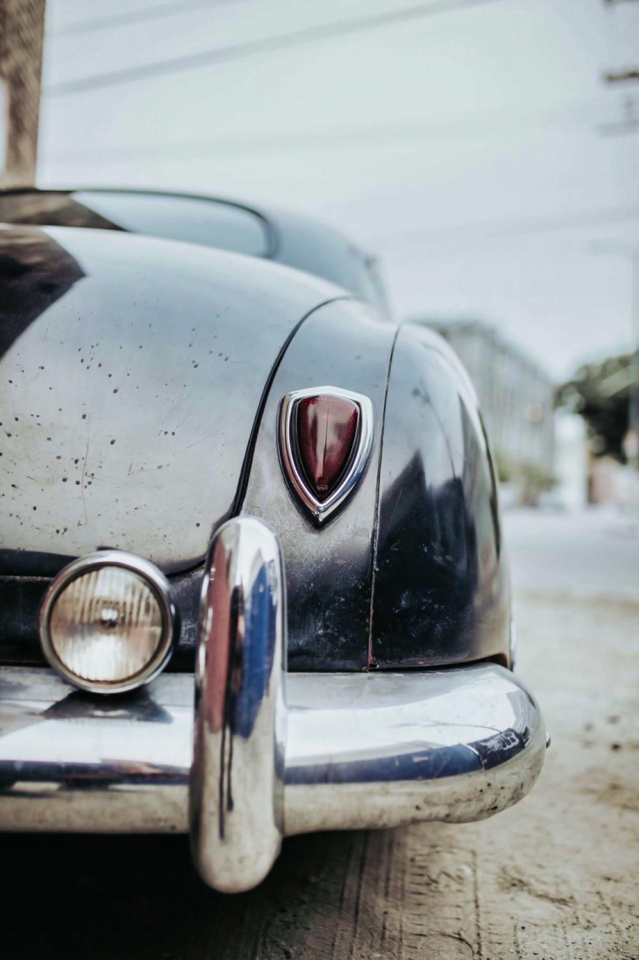 '49 Hudson Commodore coupé... Un sorti de grange de 647 ch signé Icon ! 3
