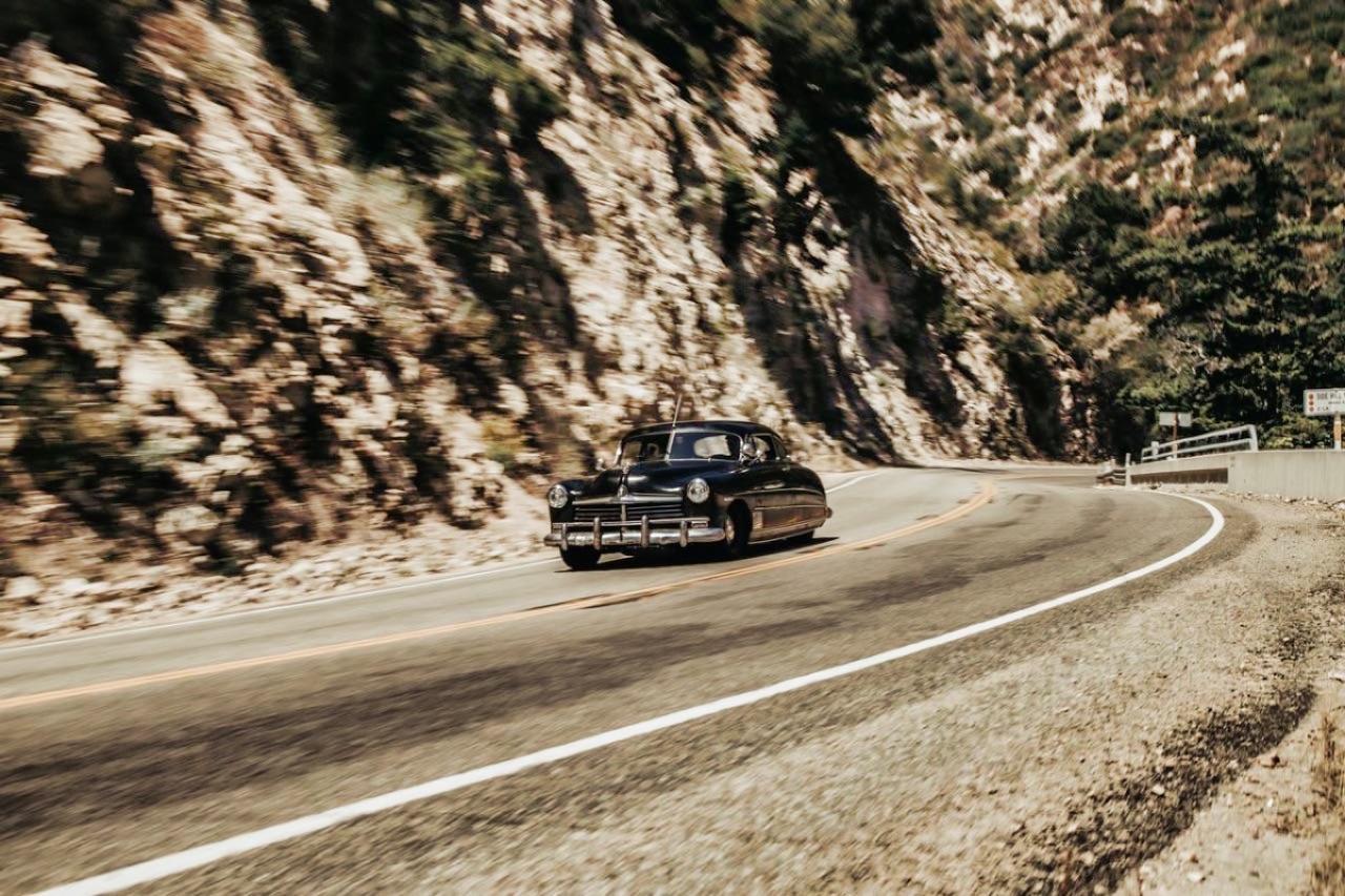 '49 Hudson Commodore coupé... Un sorti de grange de 647 ch signé Icon ! 15