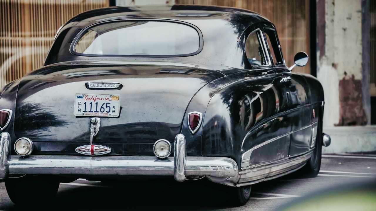'49 Hudson Commodore coupé... Un sorti de grange de 647 ch signé Icon ! 16