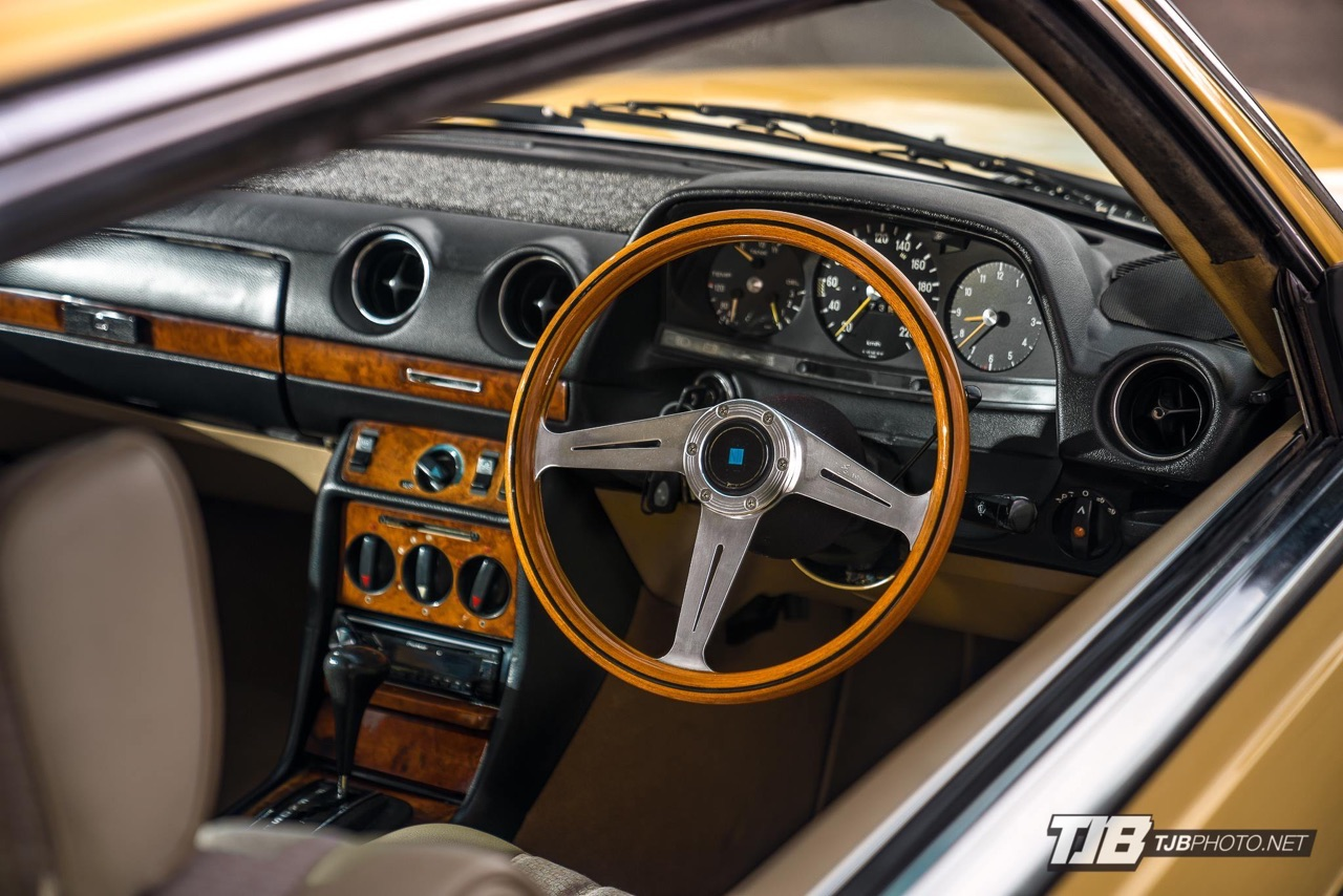Slammed Mercedes C123... Le coupé qui traverse le temps ! 10