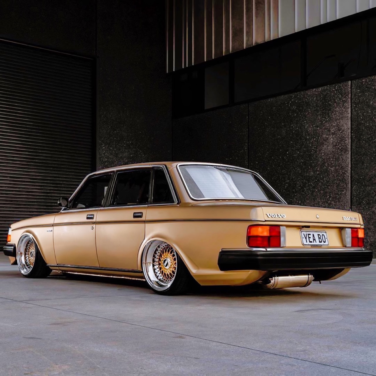 '82 Slammed Volvo 244 GLE... Best in Show ! 12