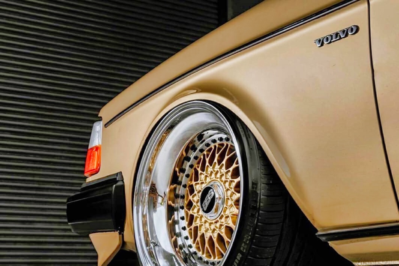 '82 Slammed Volvo 244 GLE... Best in Show ! 7