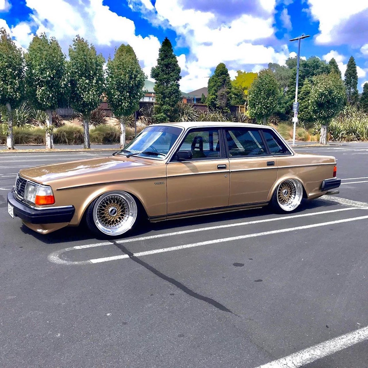'82 Slammed Volvo 244 GLE... Best in Show ! 3