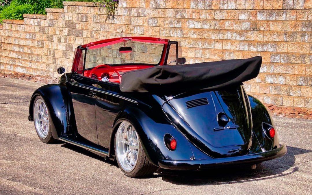 66 VW Cox cab… En rouge et noir !