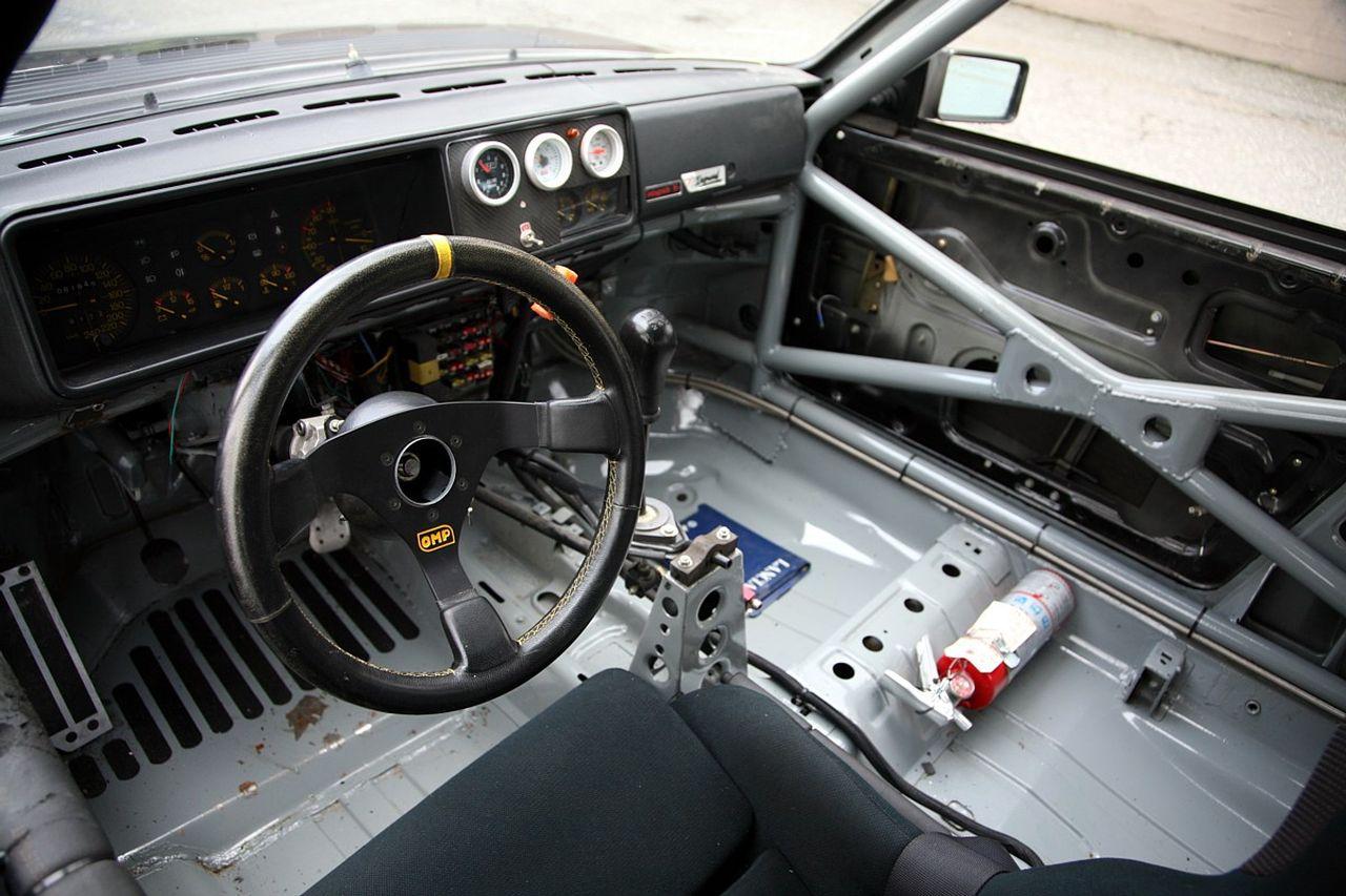 Lancia Delta HF Integrale 16V - Larme de guerre 5