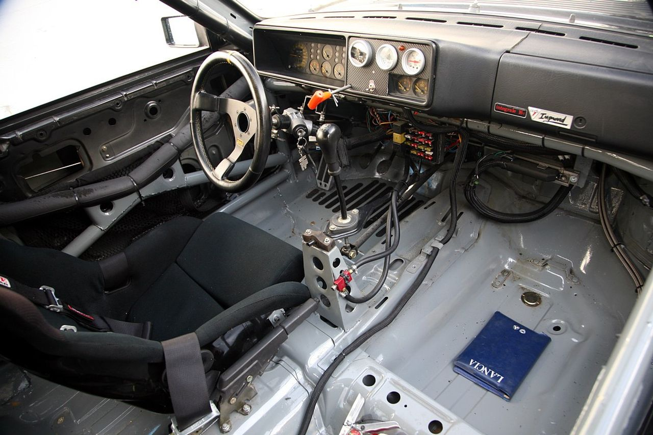 Lancia Delta HF Integrale 16V - Larme de guerre 7
