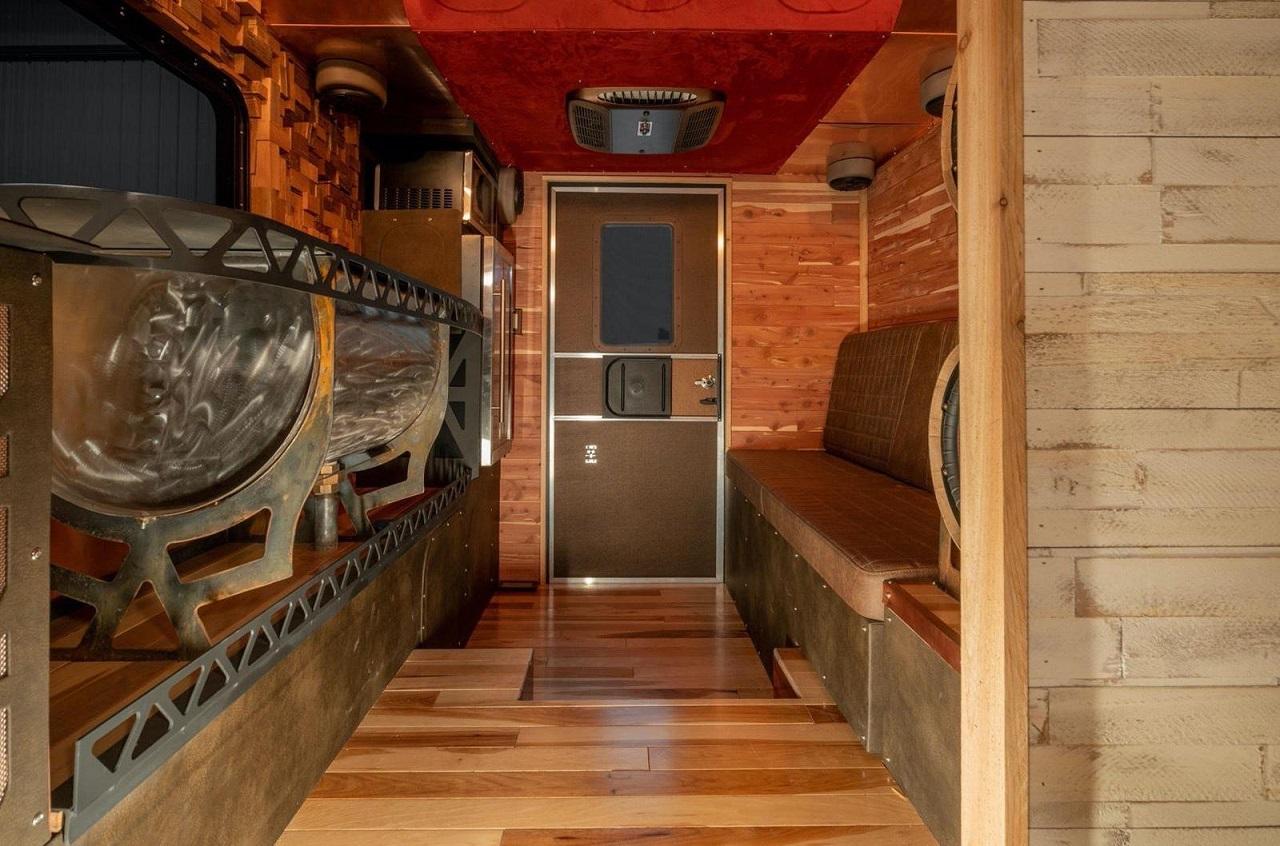 Chevy C30 Camper - Brown Sugar pour les vacances ! 37