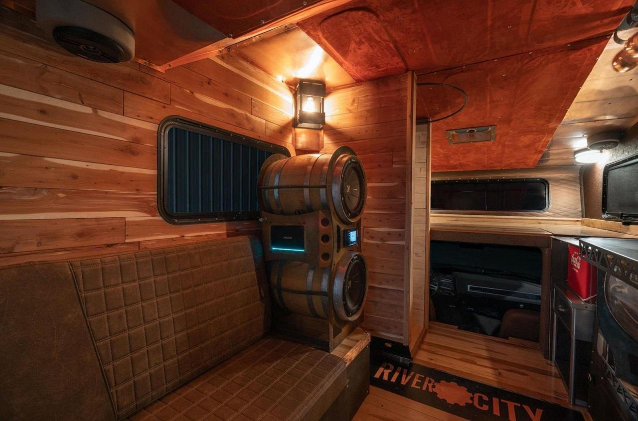 Chevy C30 Camper - Brown Sugar pour les vacances ! 31