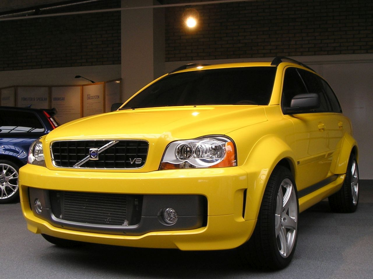 Volvo XC90 2004 PUV Concept - I've got the power !! 28
