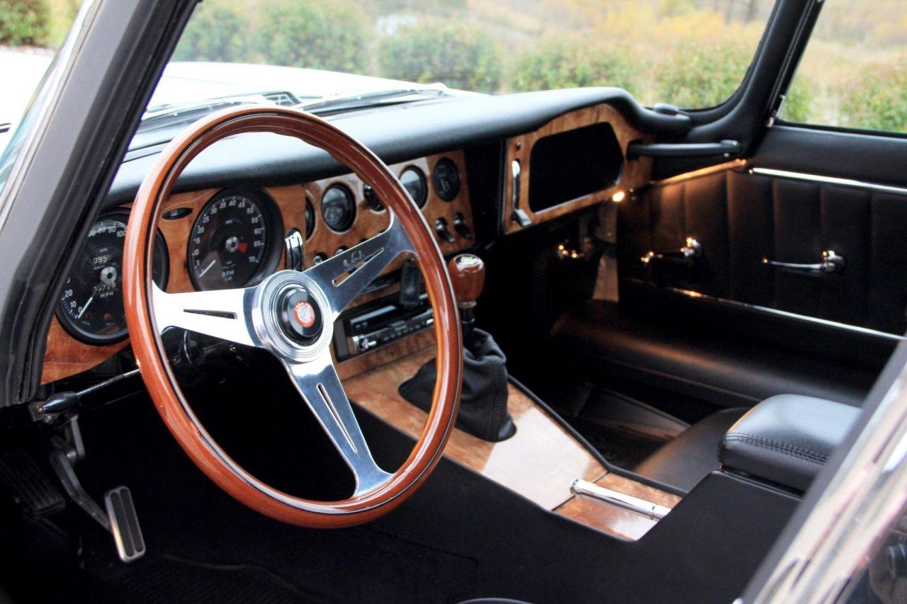 '64 Jaguar Type E... V8 ! - My name is Donald, Mac Donald 2