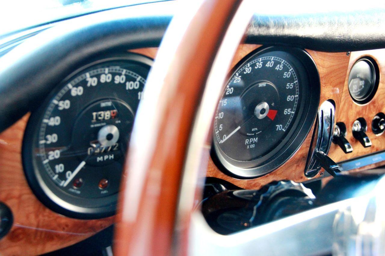'64 Jaguar Type E... V8 ! - My name is Donald, Mac Donald 13