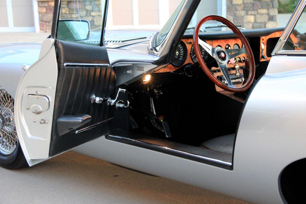 '64 Jaguar Type E... V8 ! - My name is Donald, Mac Donald 21