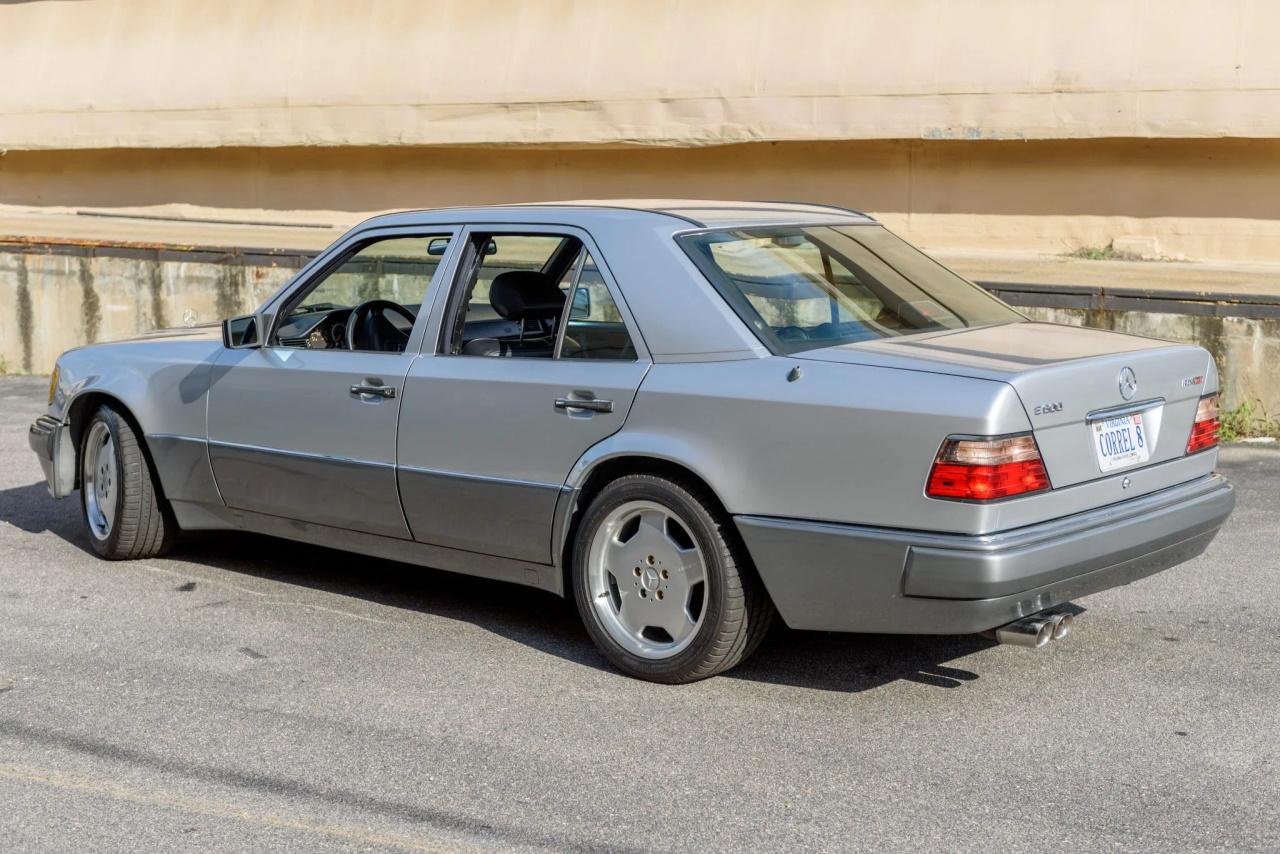 '94 Mercedes E500 RENNtech 6.0 : Vous reprendrez bien un peu de cylindrée ? 3