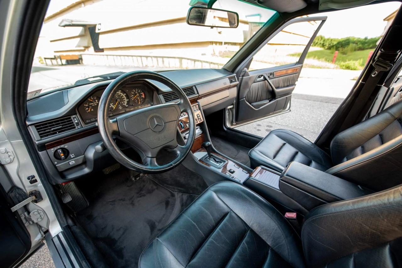 '94 Mercedes E500 RENNtech 6.0 : Vous reprendrez bien un peu de cylindrée ? 12