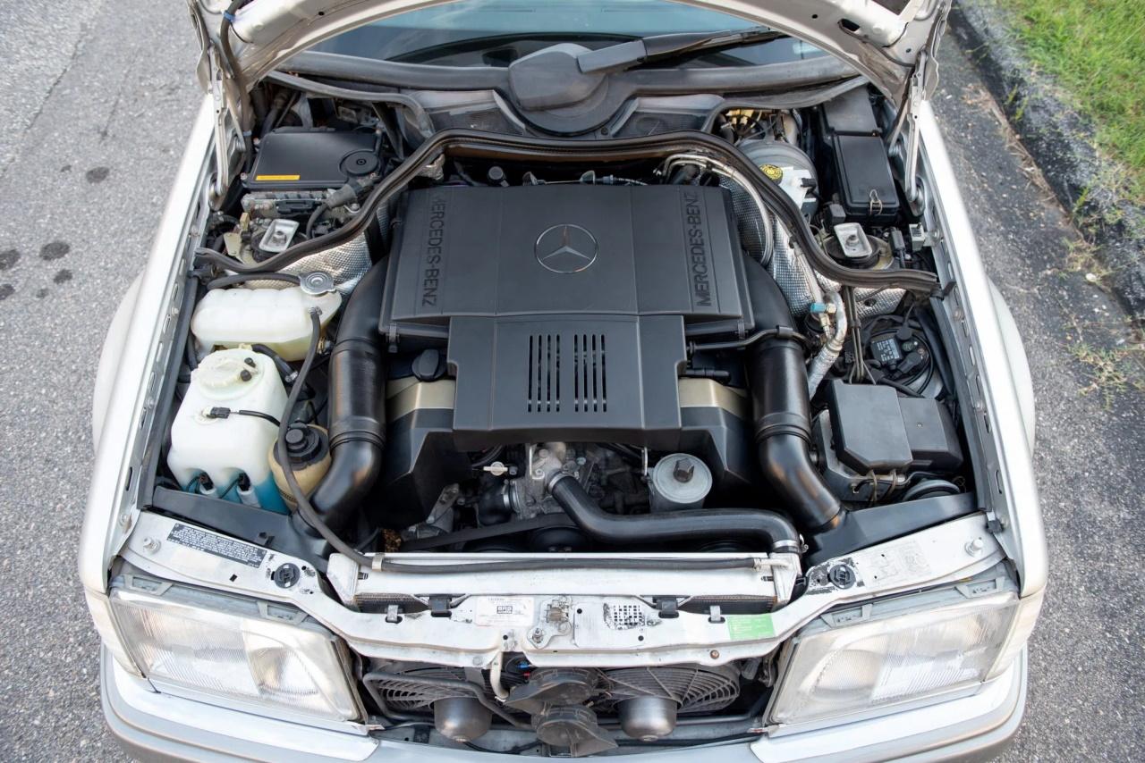 '94 Mercedes E500 RENNtech 6.0 : Vous reprendrez bien un peu de cylindrée ? 1