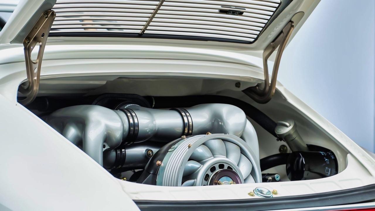 Hier, Porsche 911 SC Targa et aujourd'hui, Speedster 3.6 l ! 12