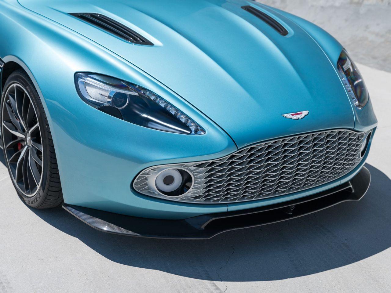 Aston Martin Vanquish By Zagato - Lady Signorina 5