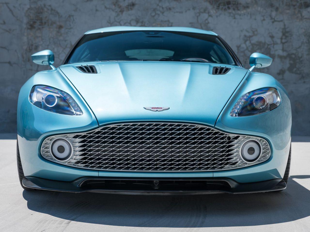 Aston Martin Vanquish By Zagato - Lady Signorina 12