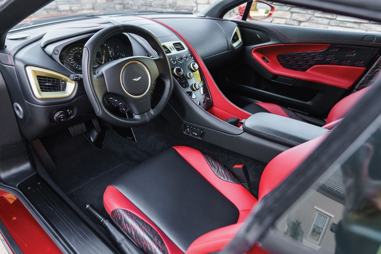 Aston Martin Vanquish By Zagato - Lady Signorina 3