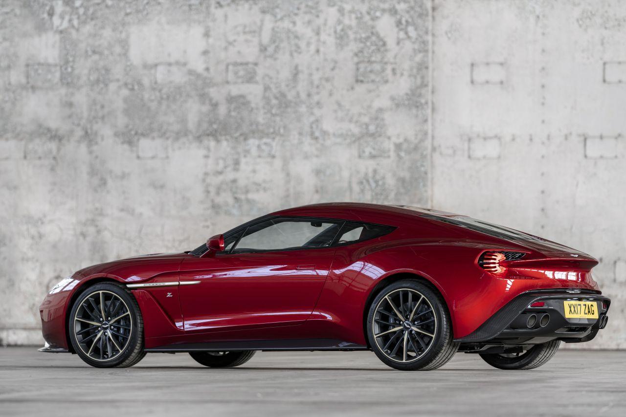 Aston Martin Vanquish By Zagato - Lady Signorina 2