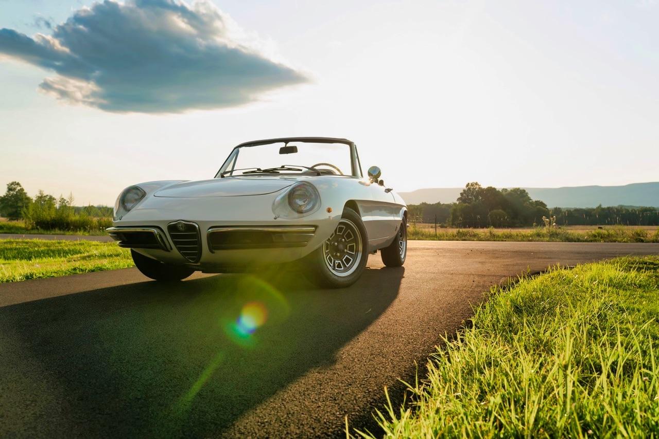 '69 Alfa Spider Duetto - Osso di seppia sauce restomod ! 16