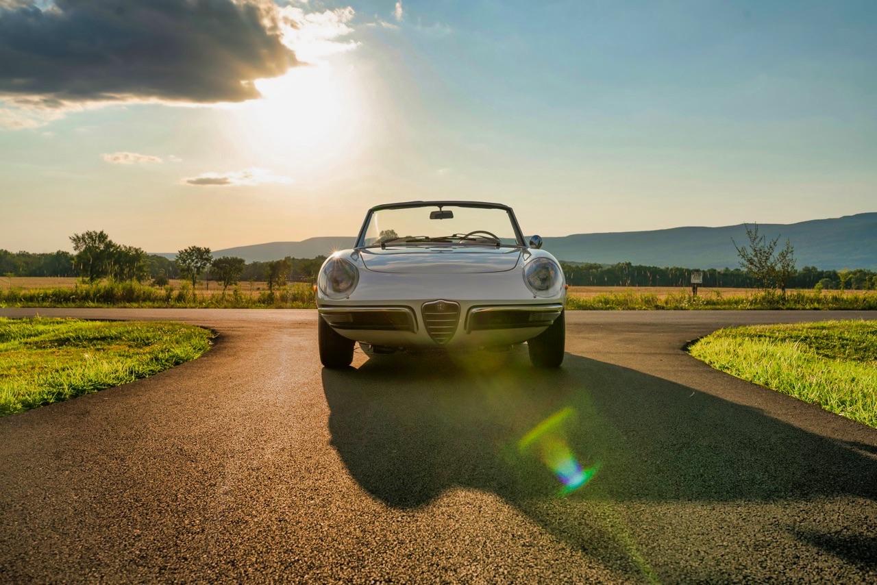 '69 Alfa Spider Duetto - Osso di seppia sauce restomod ! 8