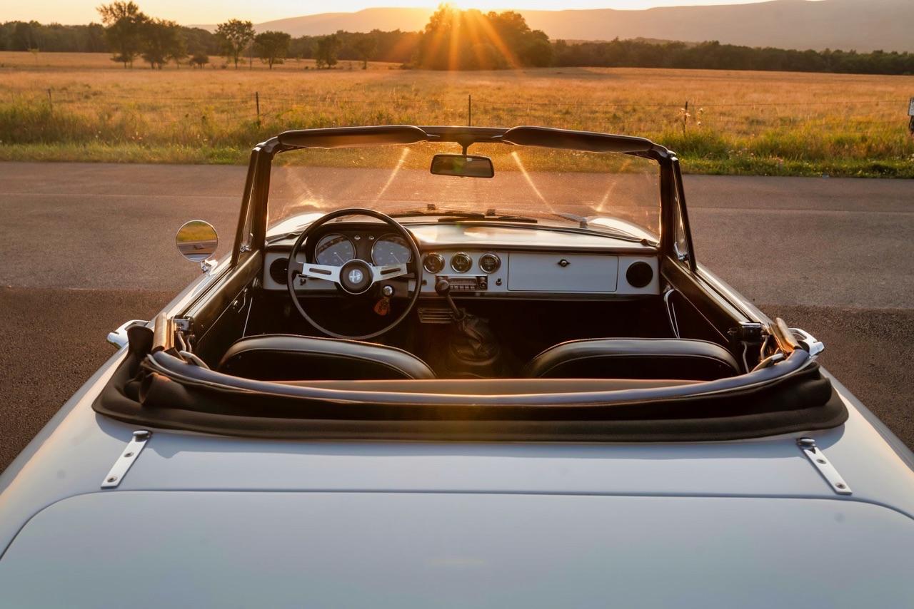 '69 Alfa Spider Duetto - Osso di seppia sauce restomod ! 10