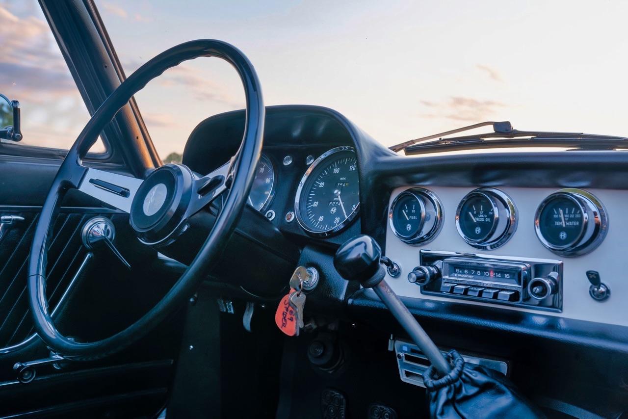 '69 Alfa Spider Duetto - Osso di seppia sauce restomod ! 11