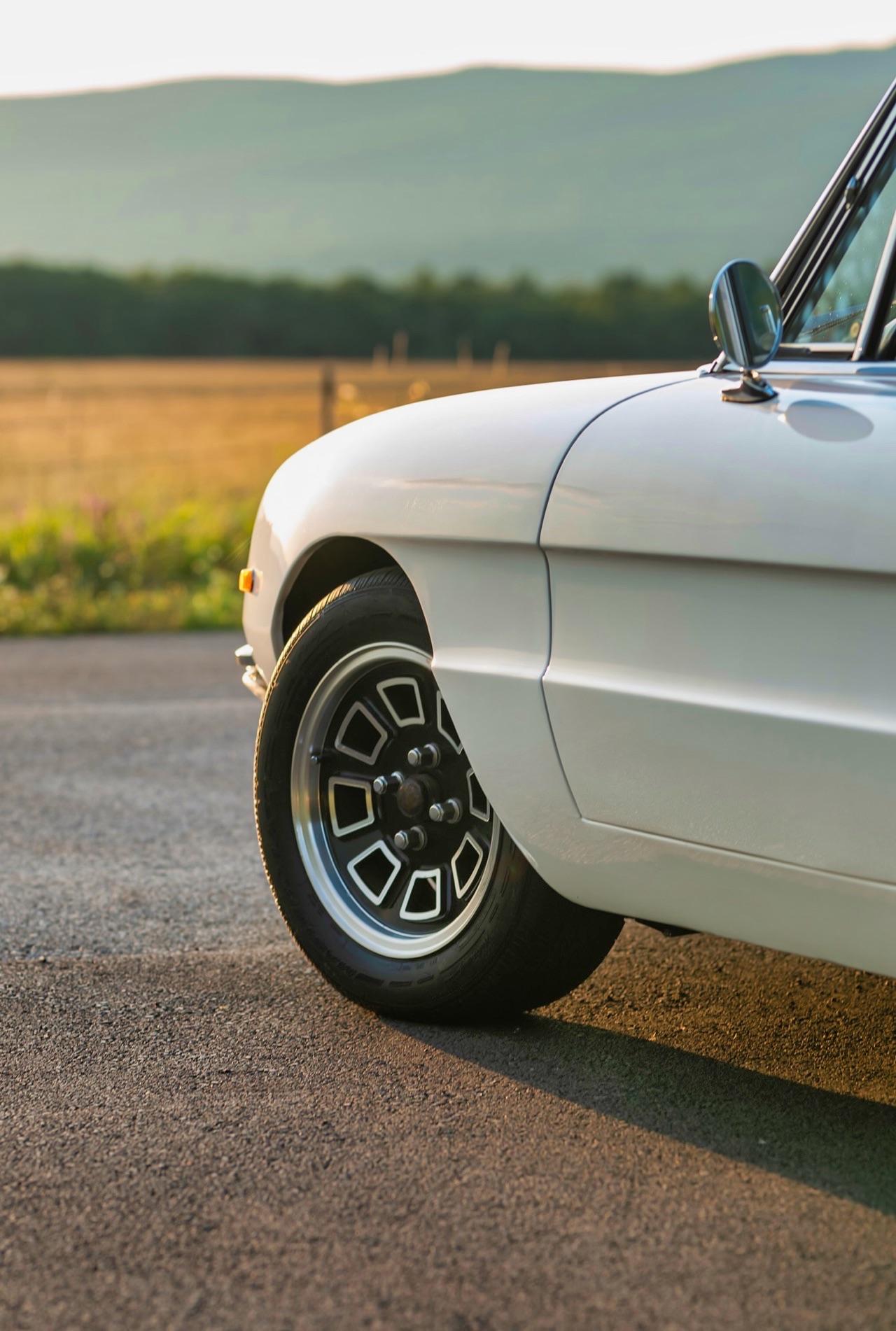 '69 Alfa Spider Duetto - Osso di seppia sauce restomod ! 3