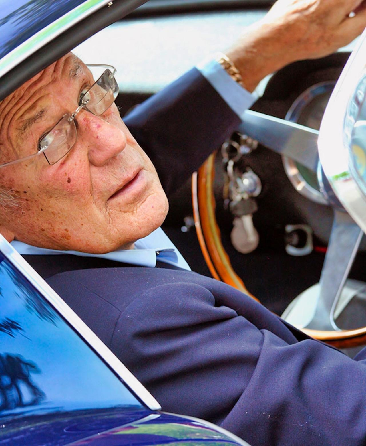 Stirling Moss et Enzo Ferrari : L'histoire de la Ferrari F1 bleue. 39