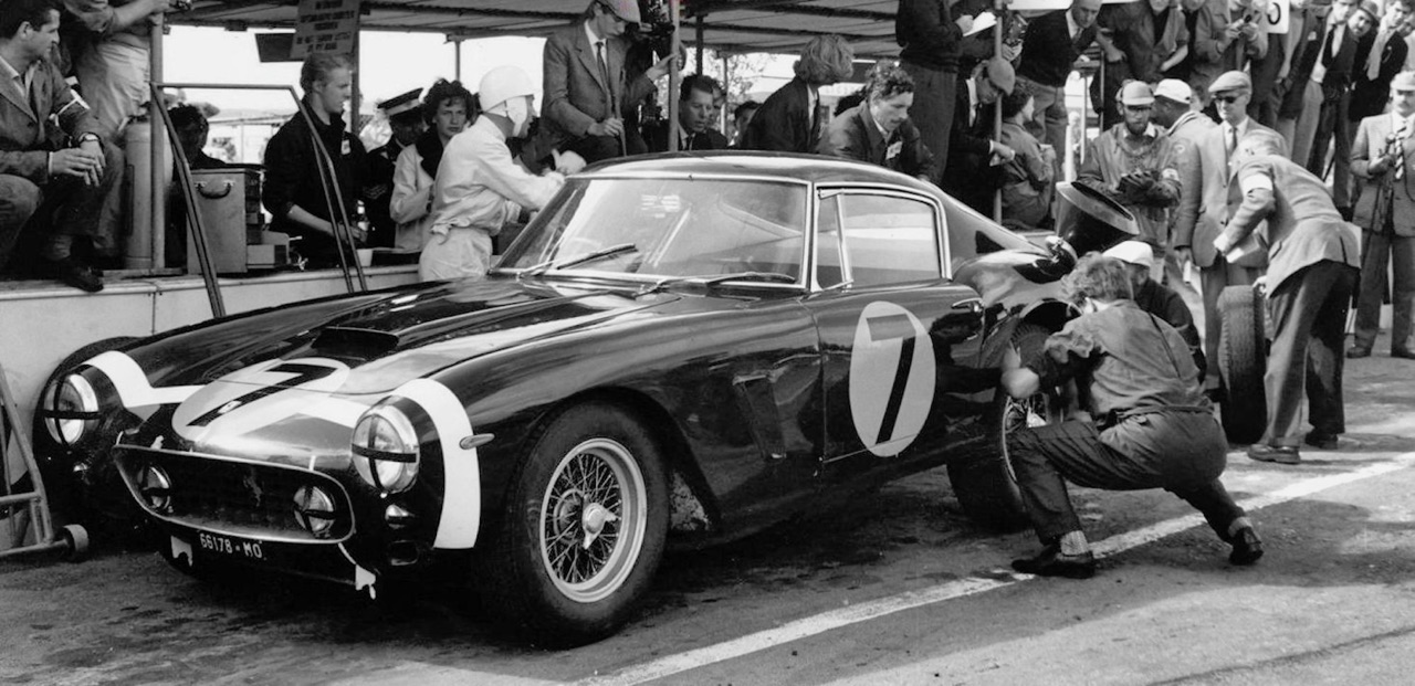 Stirling Moss et Enzo Ferrari : L'histoire de la Ferrari F1 bleue. 38