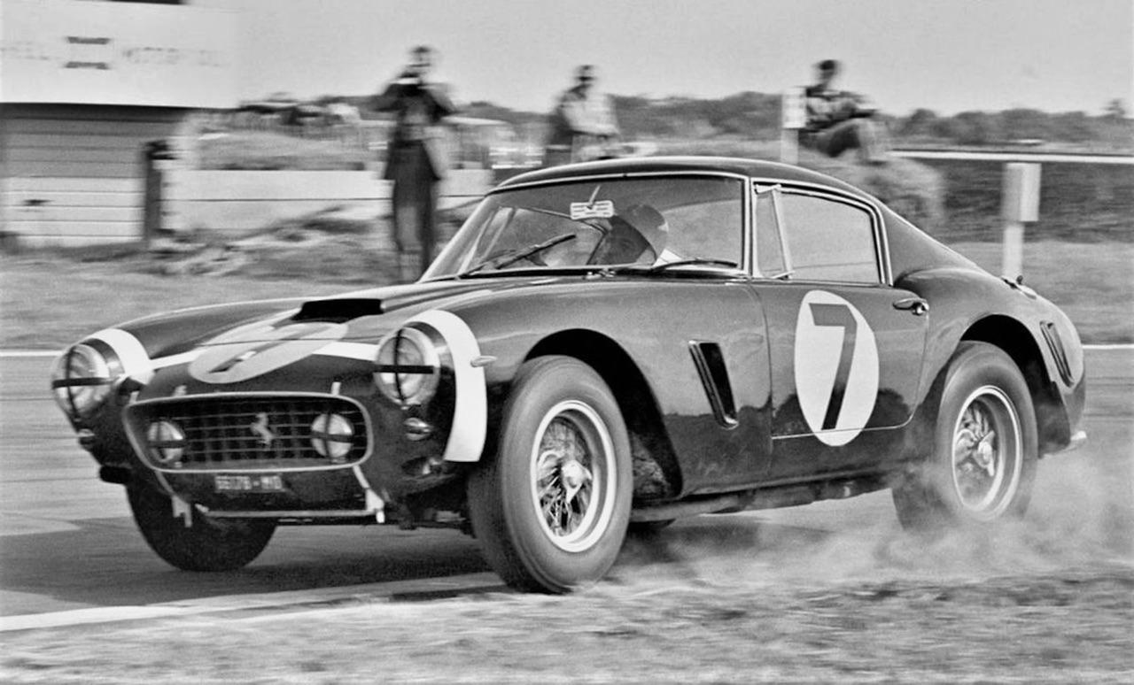 Stirling Moss et Enzo Ferrari : L'histoire de la Ferrari F1 bleue. 35