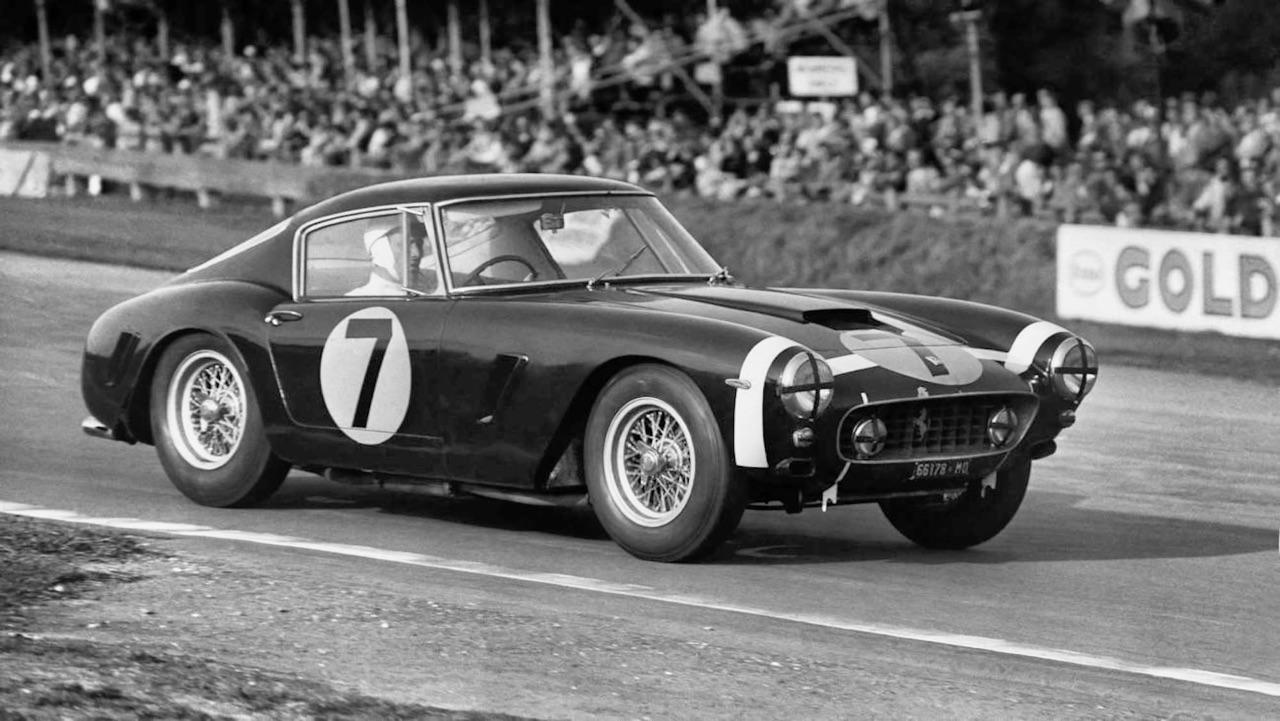 Stirling Moss et Enzo Ferrari : L'histoire de la Ferrari F1 bleue. 32