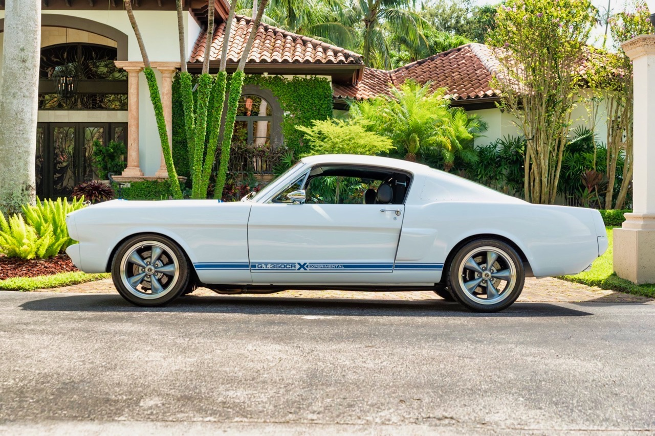 '66 Ford Mustang - Supercharged Coyote par Classic Recreation. 2