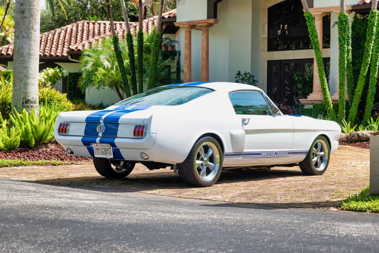 '66 Ford Mustang - Supercharged Coyote par Classic Recreation. 3