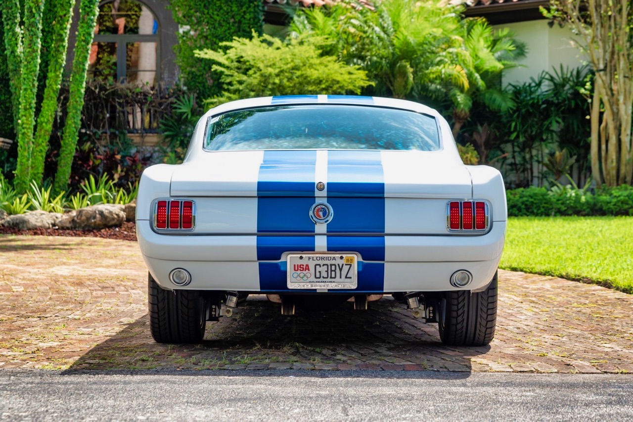 '66 Ford Mustang - Supercharged Coyote par Classic Recreation. 6