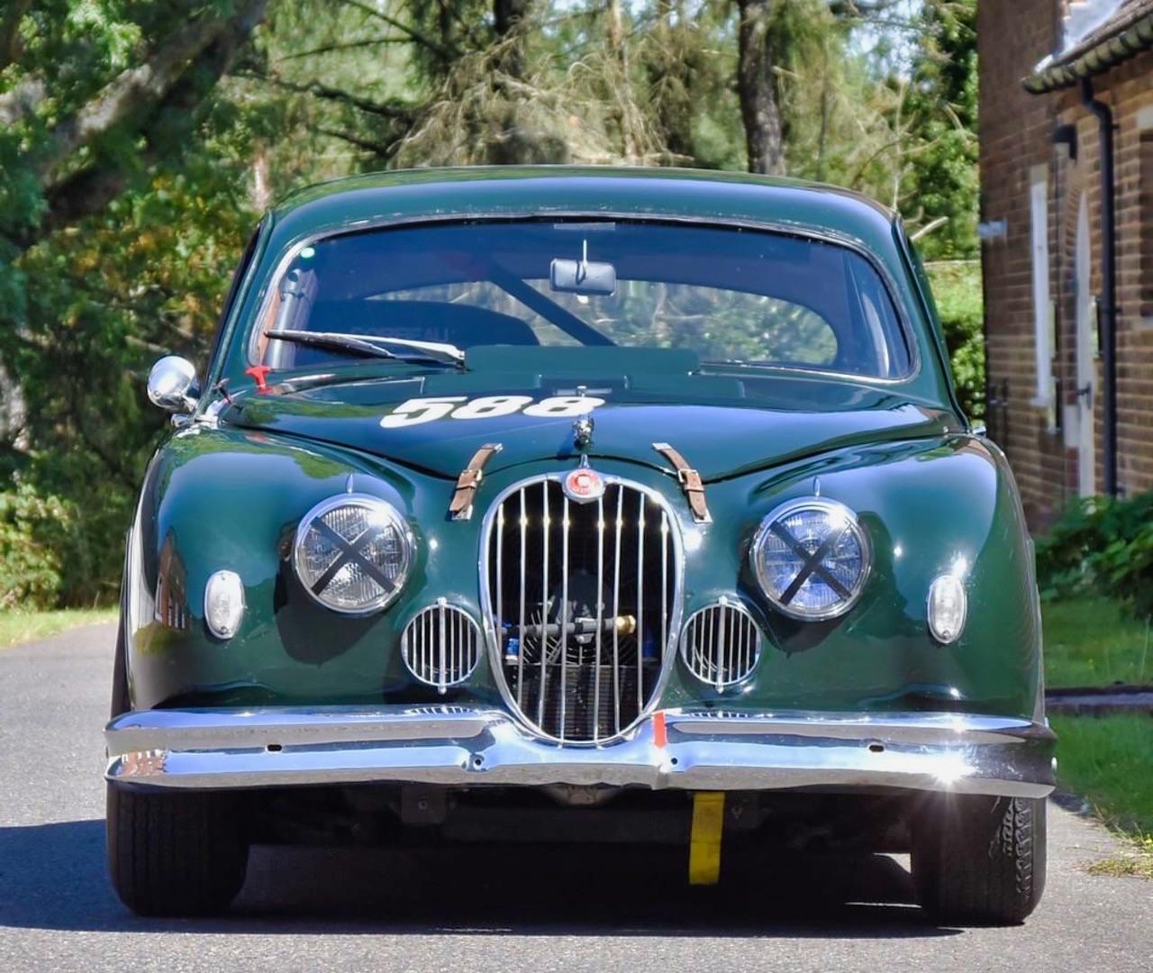 Jaguar 3.4 Saloon... Une Mk1 dans la course ! 6