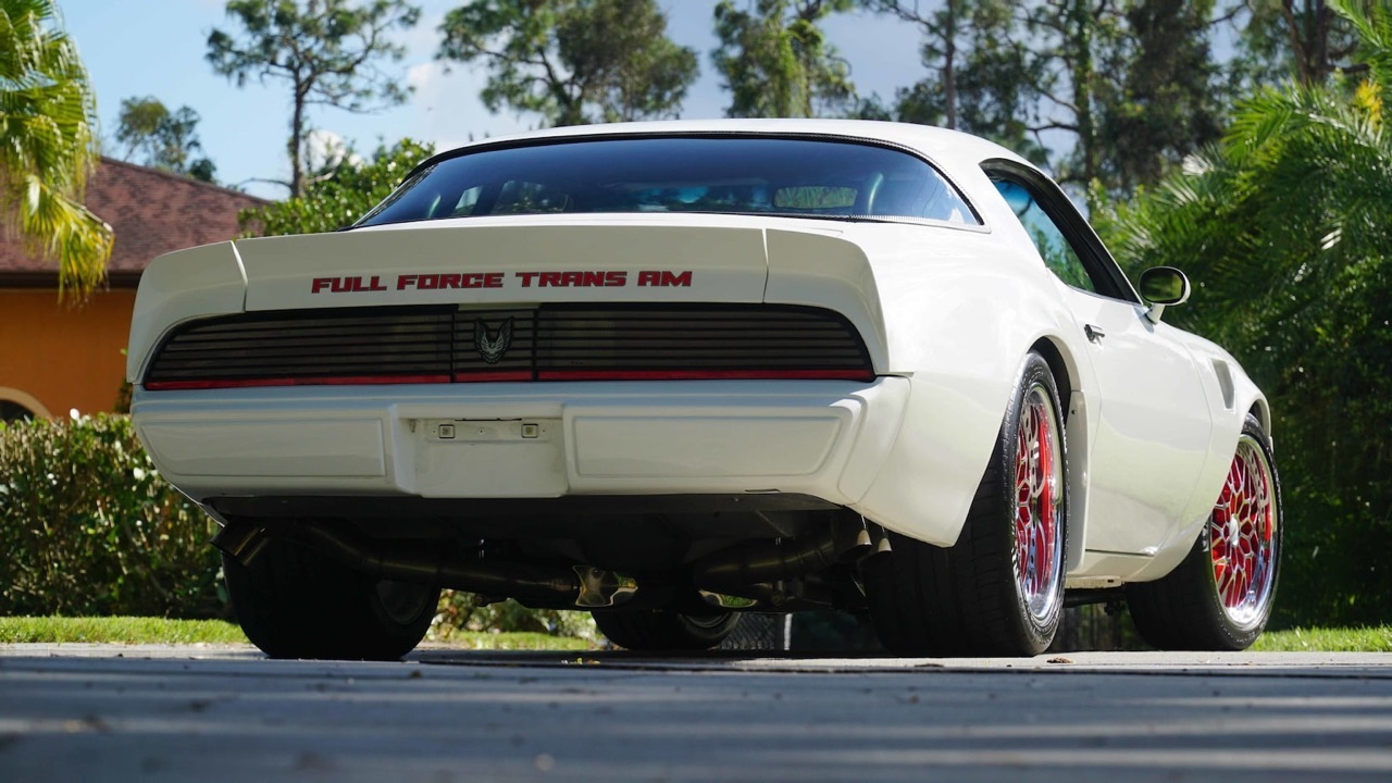 Pontiac Firebird en LS9 Biturbo - The Full Force Trans Am ! 2