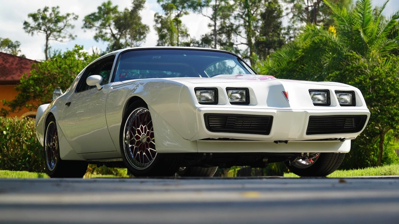 Pontiac Firebird en LS9 Biturbo - The Full Force Trans Am ! 1