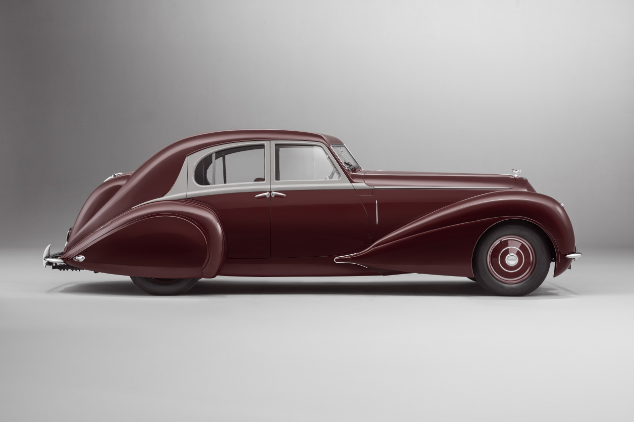 '39 Bentley Corniche Mulliner : Haute couture 3