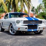 '66 Ford Mustang - Supercharged Coyote par Classic Recreation.