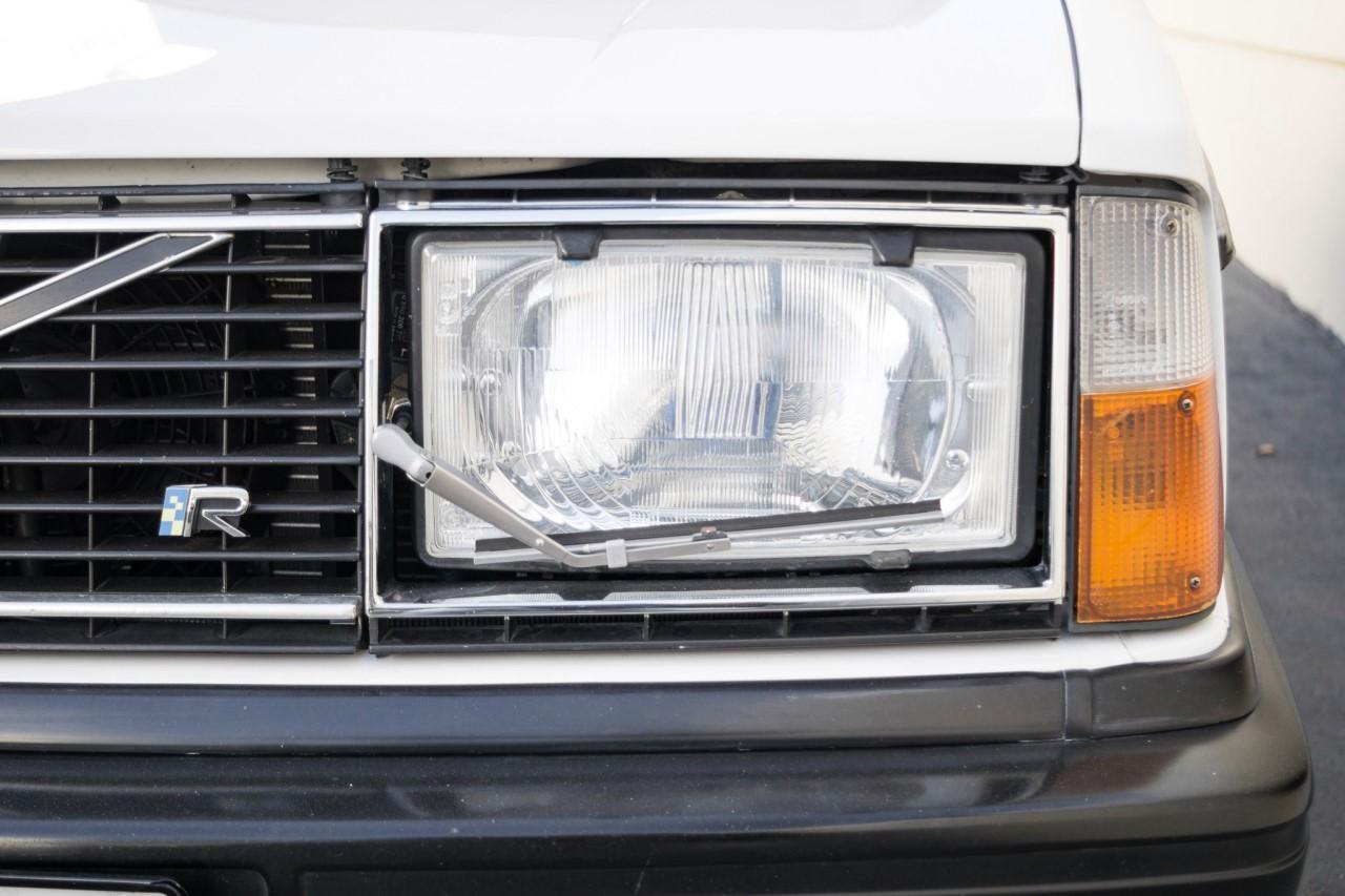 Volvo 242 swap T5R - Le parpaing viking 5