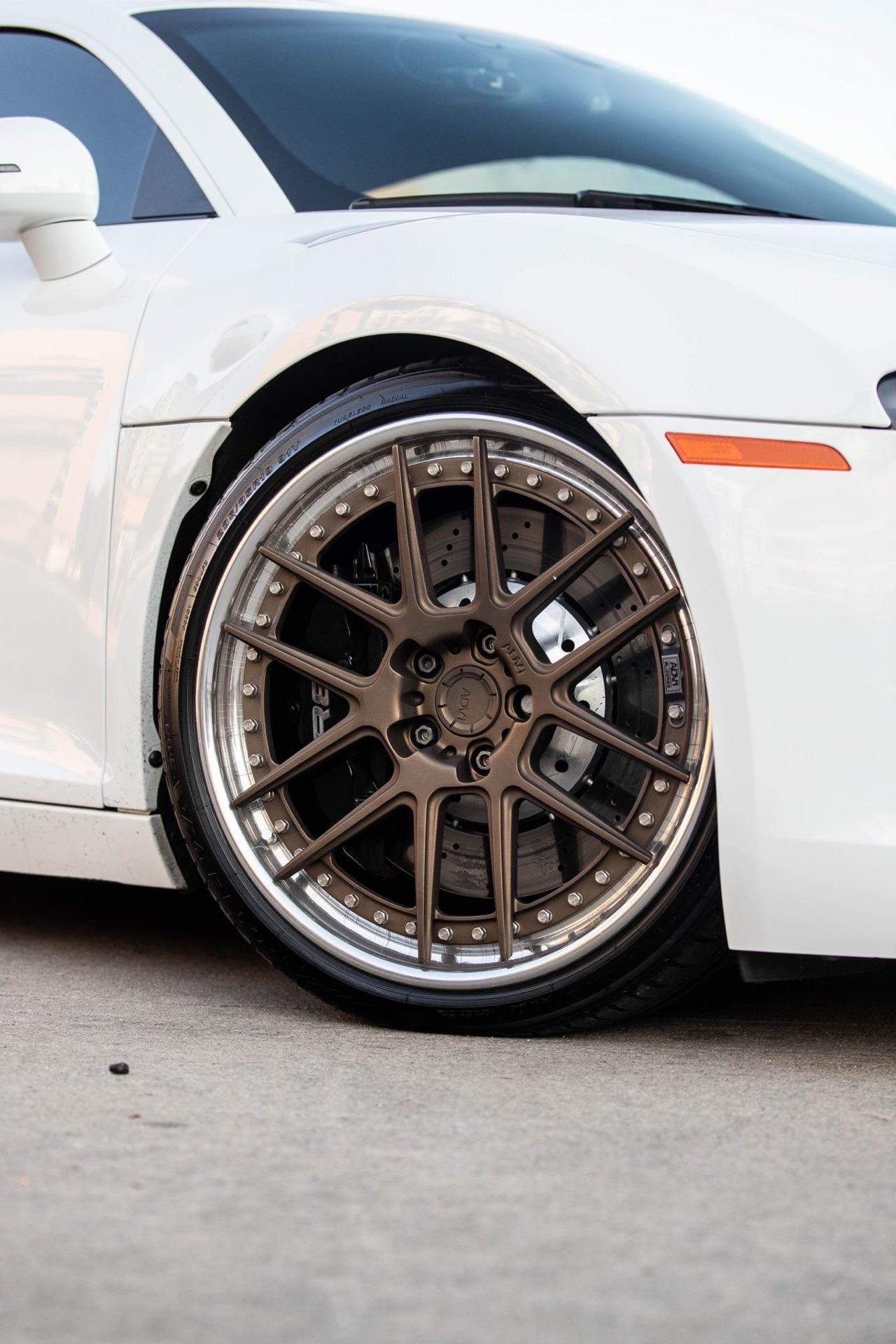 Audi R8 V8 4.2 l - Shootée au biturbo 13
