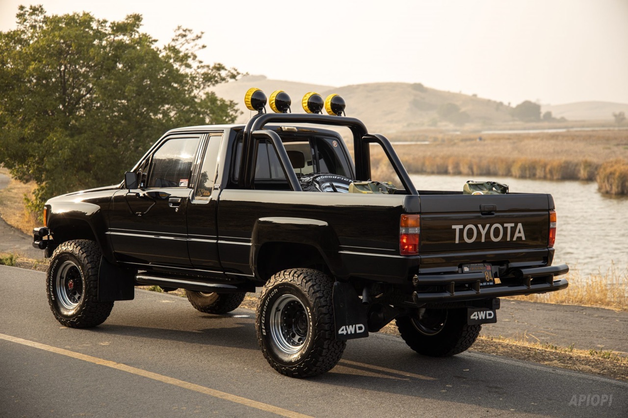 Toyota SR5 Xtra Cab... Y'a pas que la De Lorean ! 10