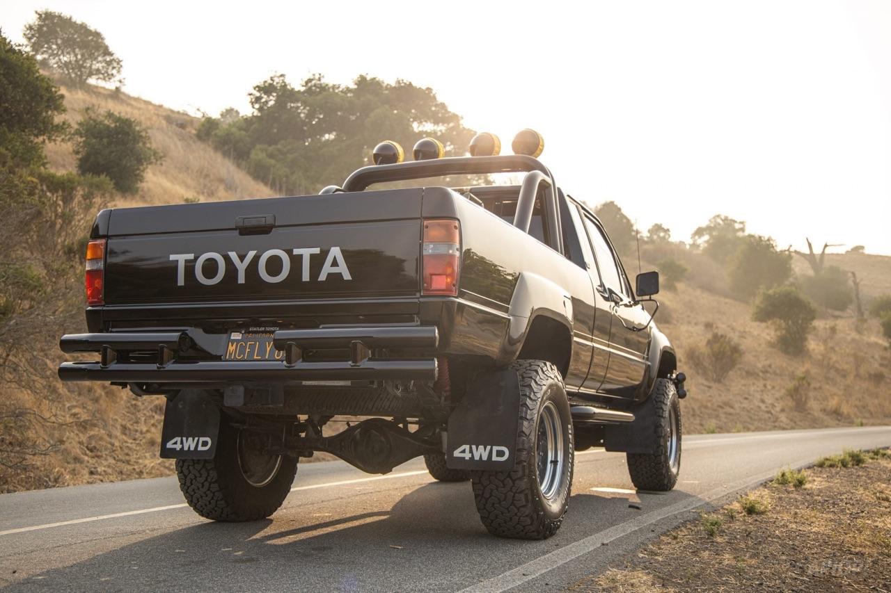 Toyota SR5 Xtra Cab... Y'a pas que la De Lorean ! 6